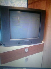 Продам телевизор горизонт. в хорошем состоянии. 650 000 руб!